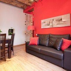 Отель Aptos Alcam Alio Барселона комната для гостей фото 4