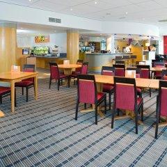 Отель Holiday Inn Express Bath питание фото 2