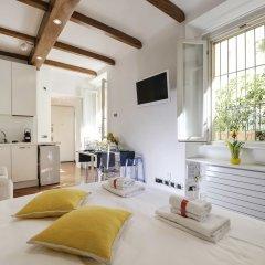 Отель At Home Heart of Milan - Manzoni Италия, Милан - отзывы, цены и фото номеров - забронировать отель At Home Heart of Milan - Manzoni онлайн комната для гостей фото 2