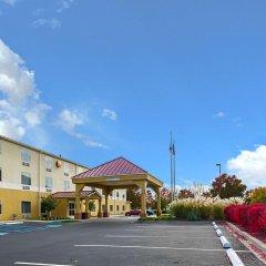Отель Comfort Inn парковка