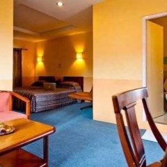 Отель Kathmandu Guest House by KGH Group Непал, Катманду - 1 отзыв об отеле, цены и фото номеров - забронировать отель Kathmandu Guest House by KGH Group онлайн бассейн фото 2