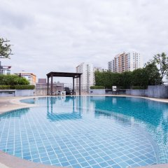 Golden Pearl Hotel Бангкок бассейн
