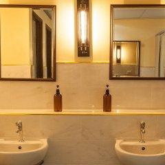 The Motley House - Hostel Бангкок ванная фото 2