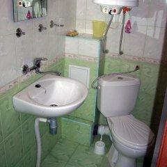 Отель Fenerite Family Hotel Болгария, Тырговиште - отзывы, цены и фото номеров - забронировать отель Fenerite Family Hotel онлайн ванная фото 2