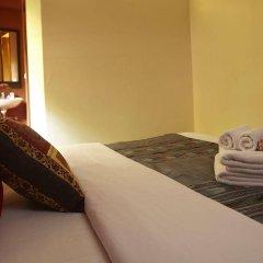 Отель Pannee Lodge Таиланд, Бангкок - отзывы, цены и фото номеров - забронировать отель Pannee Lodge онлайн балкон