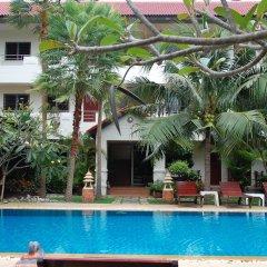Отель Sirikarn Residence and Luxury Apartments Таиланд, Паттайя - отзывы, цены и фото номеров - забронировать отель Sirikarn Residence and Luxury Apartments онлайн бассейн фото 2