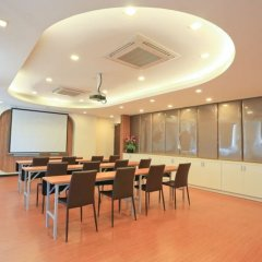 Отель Crystal Suites Suvarnabhumi Airport Бангкок помещение для мероприятий