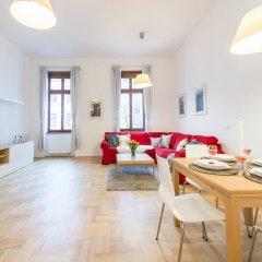 Апартаменты Oasis Apartments - Gozsdu passage комната для гостей фото 5