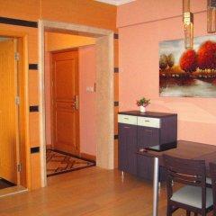 Апартаменты She & He Service Apartment - Huifeng удобства в номере