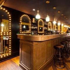 Отель PlayHaus Thonglor гостиничный бар