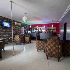 Отель Admiralty Residency гостиничный бар