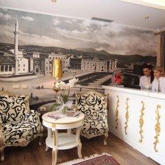 Отель Boutique Restorant GLORIA Албания, Тирана - отзывы, цены и фото номеров - забронировать отель Boutique Restorant GLORIA онлайн балкон