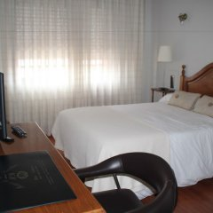 Hotel Marques de Santillana сейф в номере