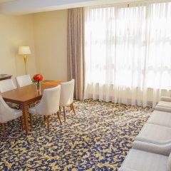 Гостиница Рамада Алматы комната для гостей фото 3
