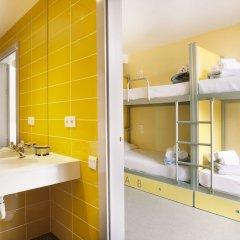 Отель Twentytú Hostel Испания, Барселона - 2 отзыва об отеле, цены и фото номеров - забронировать отель Twentytú Hostel онлайн ванная