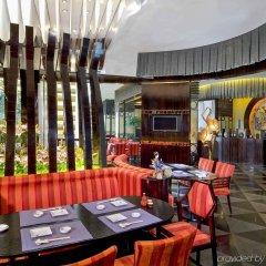 Отель Cinese Hotel Dongguan Китай, Дунгуань - 1 отзыв об отеле, цены и фото номеров - забронировать отель Cinese Hotel Dongguan онлайн гостиничный бар