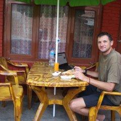 Отель Travellers Dorm Bed & Breakfast Непал, Катманду - отзывы, цены и фото номеров - забронировать отель Travellers Dorm Bed & Breakfast онлайн питание