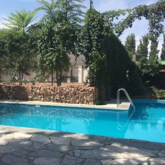 Отель Клуб Стрелецъ Кыргызстан, Бишкек - отзывы, цены и фото номеров - забронировать отель Клуб Стрелецъ онлайн бассейн фото 3