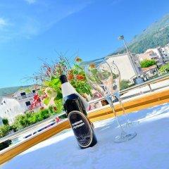 Отель Villa Velzon Guesthouse Черногория, Будва - отзывы, цены и фото номеров - забронировать отель Villa Velzon Guesthouse онлайн бассейн