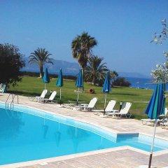 Natura Beach Hotel and Villas бассейн