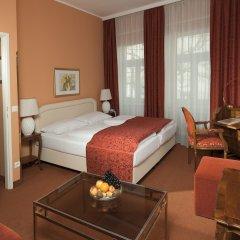 Отель Vier Jahreszeiten Salzburg Австрия, Зальцбург - отзывы, цены и фото номеров - забронировать отель Vier Jahreszeiten Salzburg онлайн комната для гостей фото 5