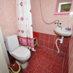 Гостиница Guest House Romanovykh Victoria в Анапе отзывы, цены и фото номеров - забронировать гостиницу Guest House Romanovykh Victoria онлайн Анапа ванная