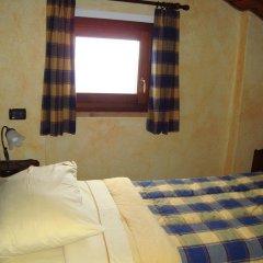 Отель Chambres D'hotes Les Fleurs Грессан комната для гостей