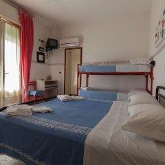 Hotel Mora Римини комната для гостей