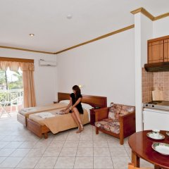 Отель Angelina Hotel & Apartments Греция, Корфу - отзывы, цены и фото номеров - забронировать отель Angelina Hotel & Apartments онлайн комната для гостей