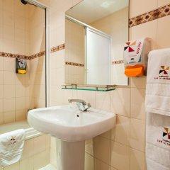 Отель Residencial Lar do Areeiro Португалия, Лиссабон - 5 отзывов об отеле, цены и фото номеров - забронировать отель Residencial Lar do Areeiro онлайн ванная