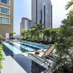 Отель Novotel Bangkok Silom Road бассейн