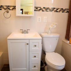 Отель NY079 1 Bedroom Apartment By Senstay США, Нью-Йорк - отзывы, цены и фото номеров - забронировать отель NY079 1 Bedroom Apartment By Senstay онлайн ванная