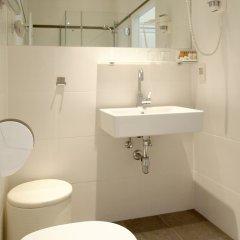 Отель Arthotel Ana Adlon Австрия, Вена - 9 отзывов об отеле, цены и фото номеров - забронировать отель Arthotel Ana Adlon онлайн ванная фото 2