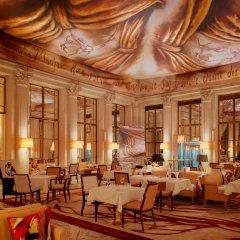 Отель Le Meurice Dorchester Collection Париж питание