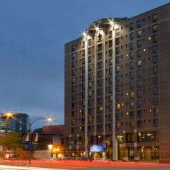Отель Travelodge Hotel by Wyndham Montreal Centre Канада, Монреаль - отзывы, цены и фото номеров - забронировать отель Travelodge Hotel by Wyndham Montreal Centre онлайн вид на фасад