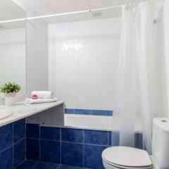 Отель Port Canigo Испания, Курорт Росес - отзывы, цены и фото номеров - забронировать отель Port Canigo онлайн ванная