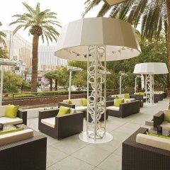 Отель The Mirage США, Лас-Вегас - 10 отзывов об отеле, цены и фото номеров - забронировать отель The Mirage онлайн бассейн фото 3