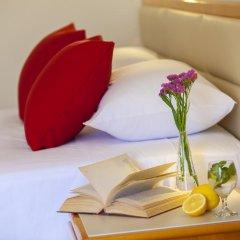 Queen's Bay Hotel в номере
