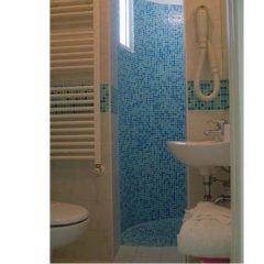 Отель Noi Due Hotel Италия, Римини - отзывы, цены и фото номеров - забронировать отель Noi Due Hotel онлайн ванная