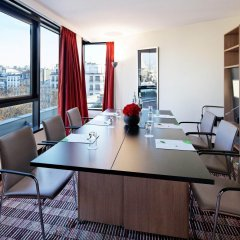 Отель Courtyard by Marriott Paris Boulogne
