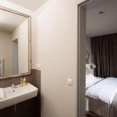 Отель Schoenhouse Studios ванная