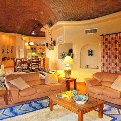 Отель Casa Lorena 4 Bedrooms 3.5 Bathrooms Home Педрегал комната для гостей фото 2