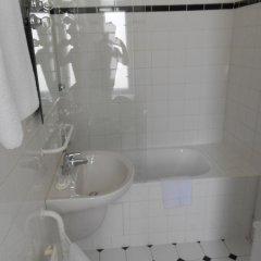 Отель Vila Josefina Чехия, Прага - отзывы, цены и фото номеров - забронировать отель Vila Josefina онлайн ванная