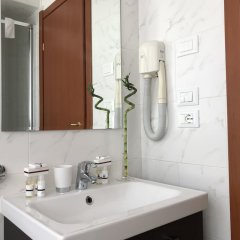 Отель Palazzo Azzarita By Holiplanet Италия, Болонья - отзывы, цены и фото номеров - забронировать отель Palazzo Azzarita By Holiplanet онлайн ванная фото 2