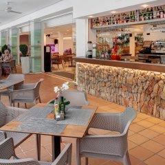 Отель Apartamentos Cala d'Or Playa гостиничный бар