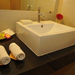 Отель Regent Suvarnabhumi Hotel Таиланд, Бангкок - 2 отзыва об отеле, цены и фото номеров - забронировать отель Regent Suvarnabhumi Hotel онлайн ванная фото 2