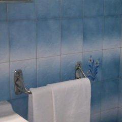 Отель Hostal Olga Испания, Мадрид - 1 отзыв об отеле, цены и фото номеров - забронировать отель Hostal Olga онлайн ванная фото 2
