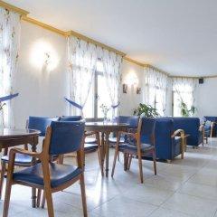 Отель La Noyesa интерьер отеля фото 3