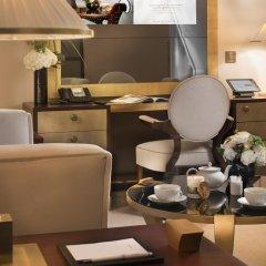 Отель Hôtel Barrière Le Fouquet's Франция, Париж - 1 отзыв об отеле, цены и фото номеров - забронировать отель Hôtel Barrière Le Fouquet's онлайн с домашними животными