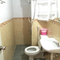 Отель Akekachat Mansion Бангкок ванная